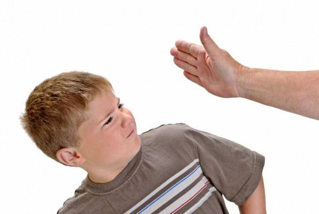 Hilangkan kebiasaan memukul anak