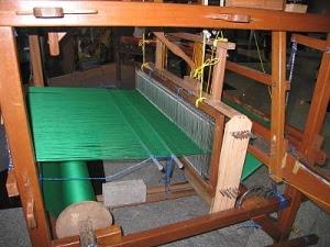 Bahan dan Peralatan Tenun Tapis Lampung