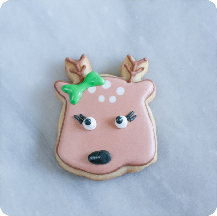 reindeer face decorated cookie tutorial