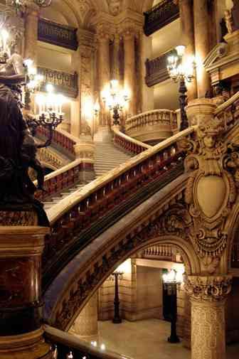 http://www.marcelproust.it/imagluog/parigi/opera_scalinata.jpg