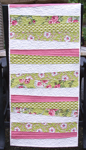 Romantic Rose Runner