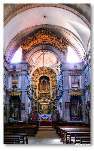 Interior da igreja do mosteiro de Arouca by VRfoto