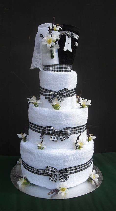 Best 25  Towel cakes ideas on Pinterest   Bridal gift