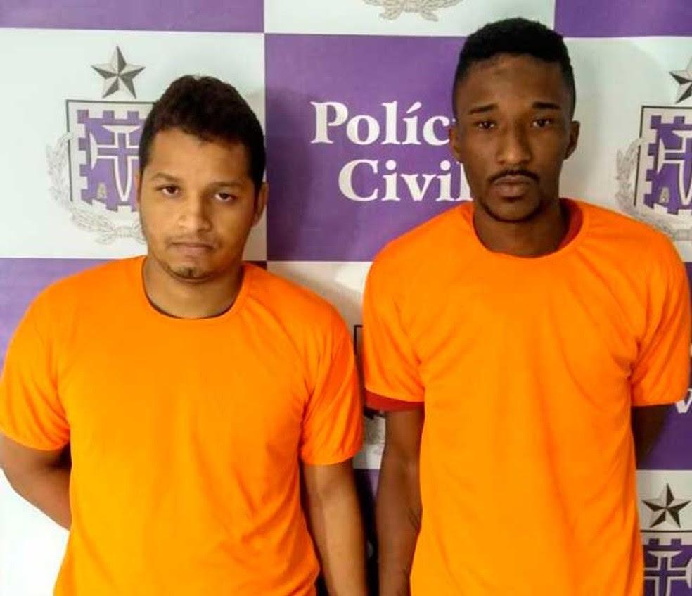 Dupla presa suspeita de matar barbeiro, em Salvador (Foto: Divulgação/Polícia Civil)