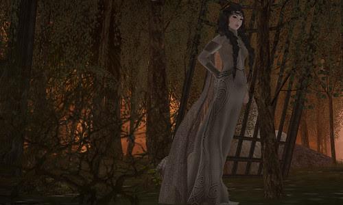 Queen Eleanor Full