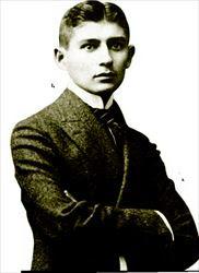 Ο Φραντς Κάφκα (εδώ σε φωτογραφία του 1906) δεν ήθελε  τα έργα του  να δηµοσιευτούν  και είχε ζητήσει από τον  φίλο του Μαξ Μπροντ να κάψει  τα χειρογράφά του, µετά  τον θάνατό του
