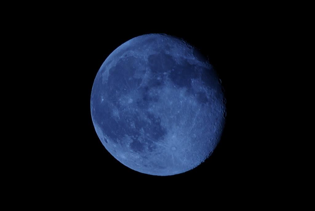 Moon Shot 4 - Blue Moon - IMGP4266