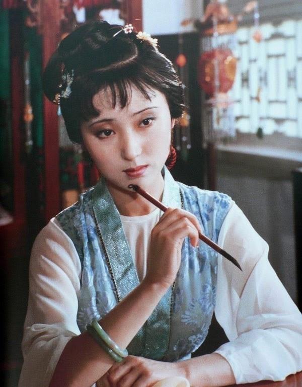 Trần Hiểu Húc, Hồng Lâu Mộng, Lâm Đại Ngọc, đi tu, xuống tóc, doanh nhân