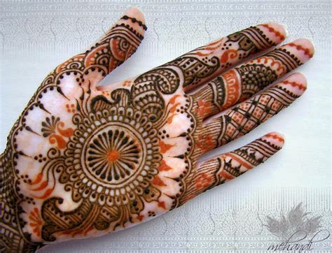 Best Mehndi Designs For Different Occasions: Karwa Chouth