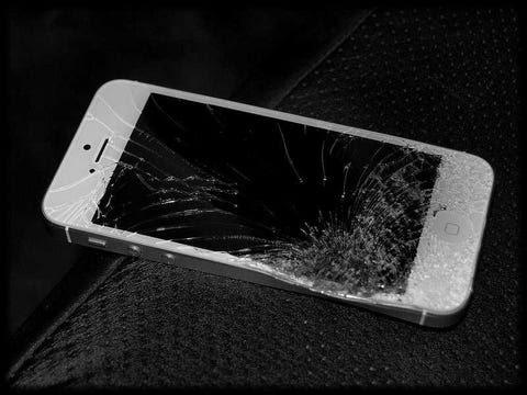 iphone 5s kırık ekran ile ilgili görsel sonucu