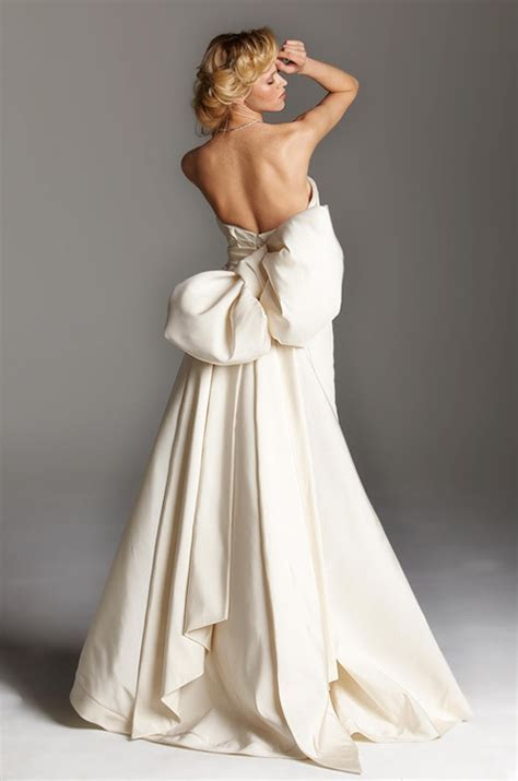 Blog of Wedding and Occasion Wear: Backless Wedding