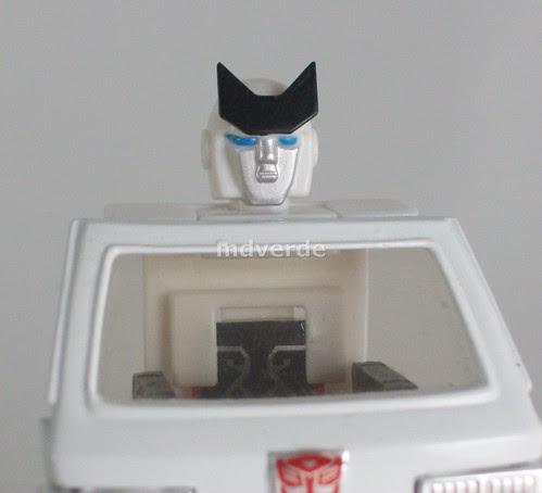 Transformers Ratchet Encore G1 - modo robot con cabeza