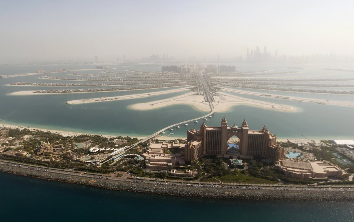 "1. Hotel ""Atlantis"" on the artificial island of Palm Jumeirah and stretching into the fog of the urban landscape.  in the world, Dubai, Beauty"