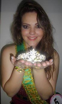 Catarinense trabalha como modelo plus size (Foto: Arquivo Pessoal/Divulgação)