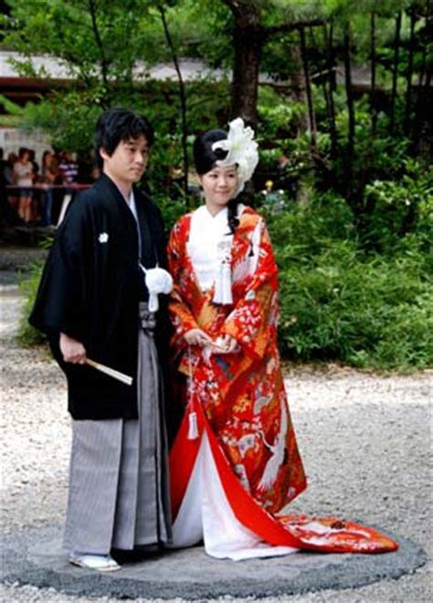 Traditional wedding ceremony in shrines become choice of