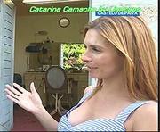 Catarina Camacho sensual a fazer reportagens na RTP