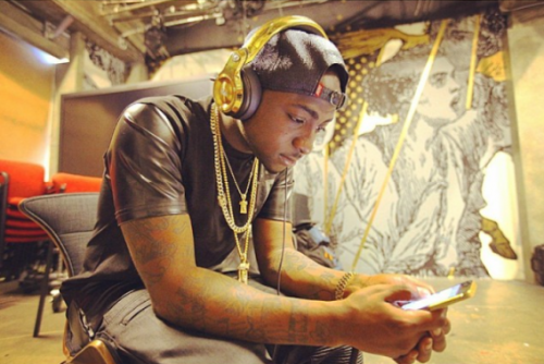 davgold NL1 500x334 African Music Prince Davido Rocks 24 Carat Gold Plated Headphones [See Photo]