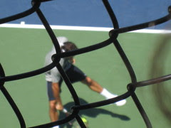 Federer - US Open practicing the Tweener Shot!