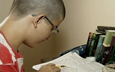 Aluno de 15 anos passa em medicina no Ceará