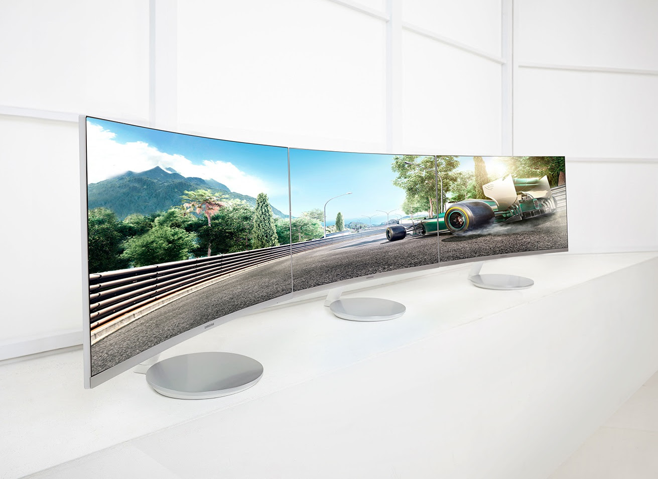 The 27-inch CF591 curved displays (Image source: Samsung)