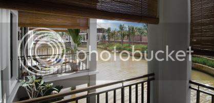 Pinggiran Bayou,Deep cantilevered balcony