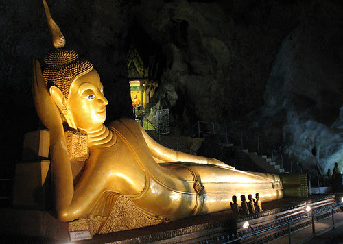Reclining Buddha at Wat Suwan Kuha