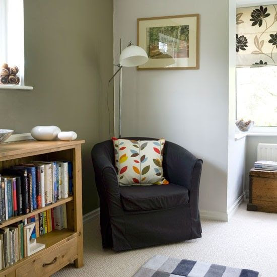 Warm and inviting country liing room in Farrow and ball mouse back