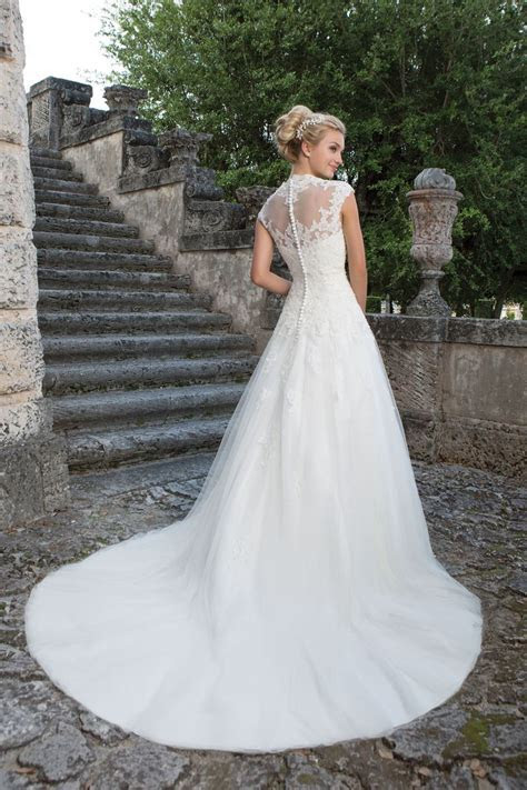 Style 3906: Lace and Tulle Ball Gown with Queen Anne