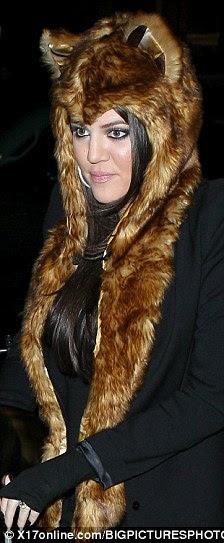 Foxy senhoras: Vanessa Hudgens e Khloe Kardashian ambos ostentavam o arnês de volta em 2010