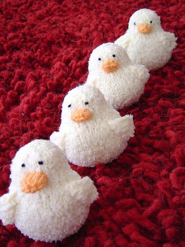 Easter Peeps Free Knitting Pattern | Free Quick Easter Knitting Patterns at http://intheloopknitting.com/free-quick-easter-knitting-patterns