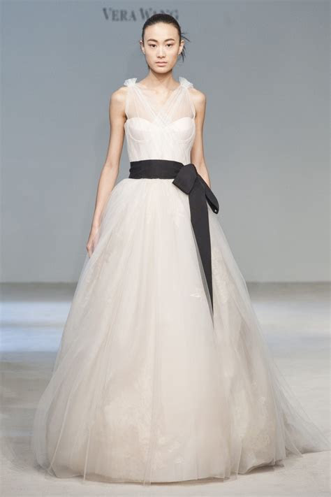 Vera Wang Wedding Dresses Cost   biwmagazine.com