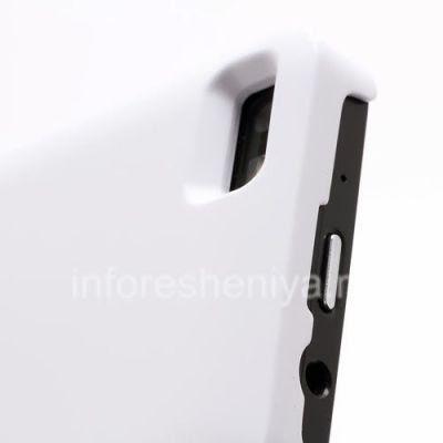 Чехол-аккумулятор для BlackBerry Z10, Белый Матовый: Чехол-аккумулятор для BlackBerry Z10 имеет все необходимы отверстия и вырезки для камеры, разъемов, элементов управления.