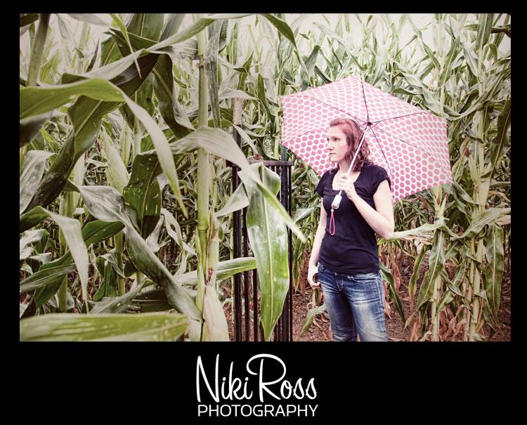 model-maze-umbrella