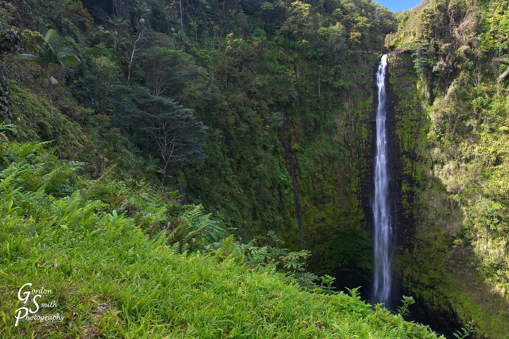 akaka falls hawaii tall big beautiful waterfall