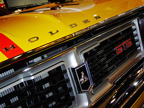 grille and badging: holden gts