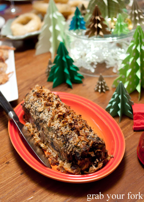 Stuffing log with chestnuts and bone marrow