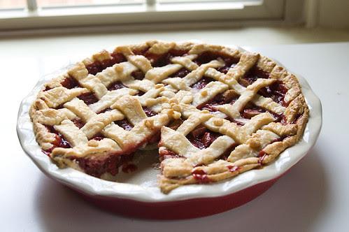 Tillie's Pie Crust + Strawberry Rhubarb Pie