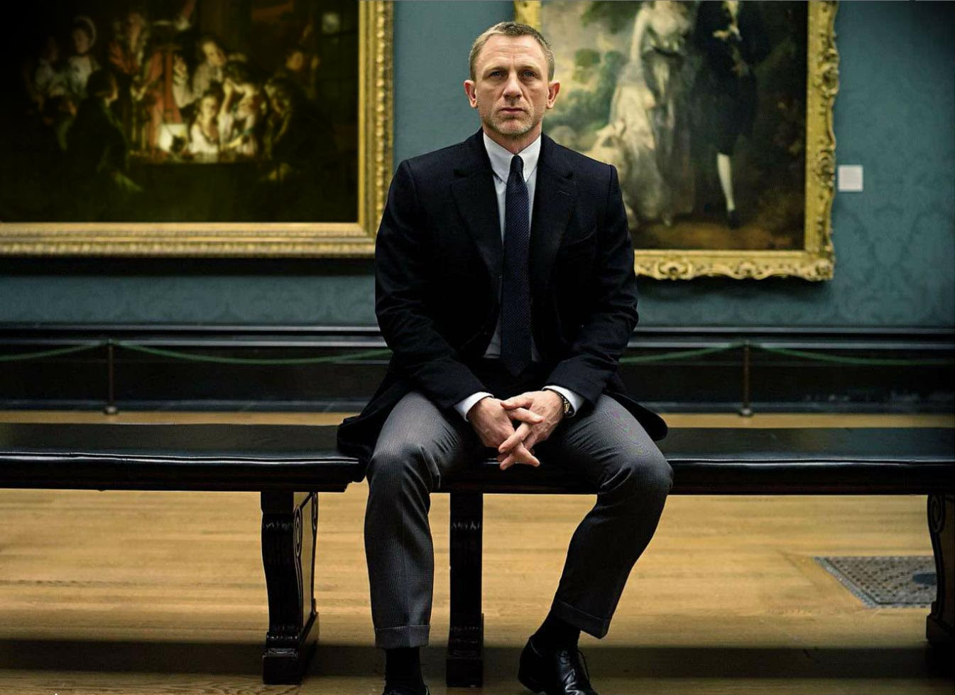 Daniel Craig reportedly agrees to play Bond again screenshot