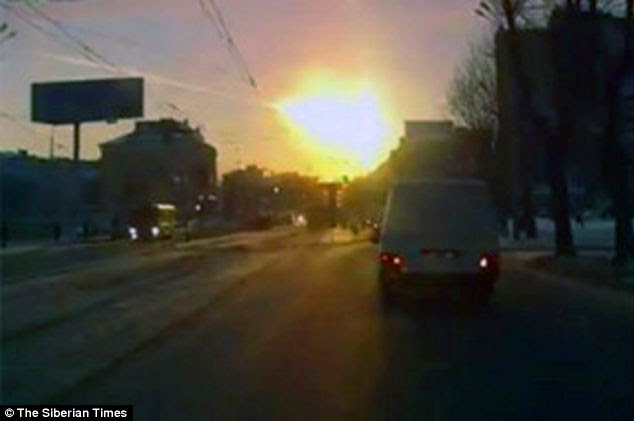 Spectacular sky: The Urals region was struck by falling meteorite fragments which fell in the city of Chelyabinsk