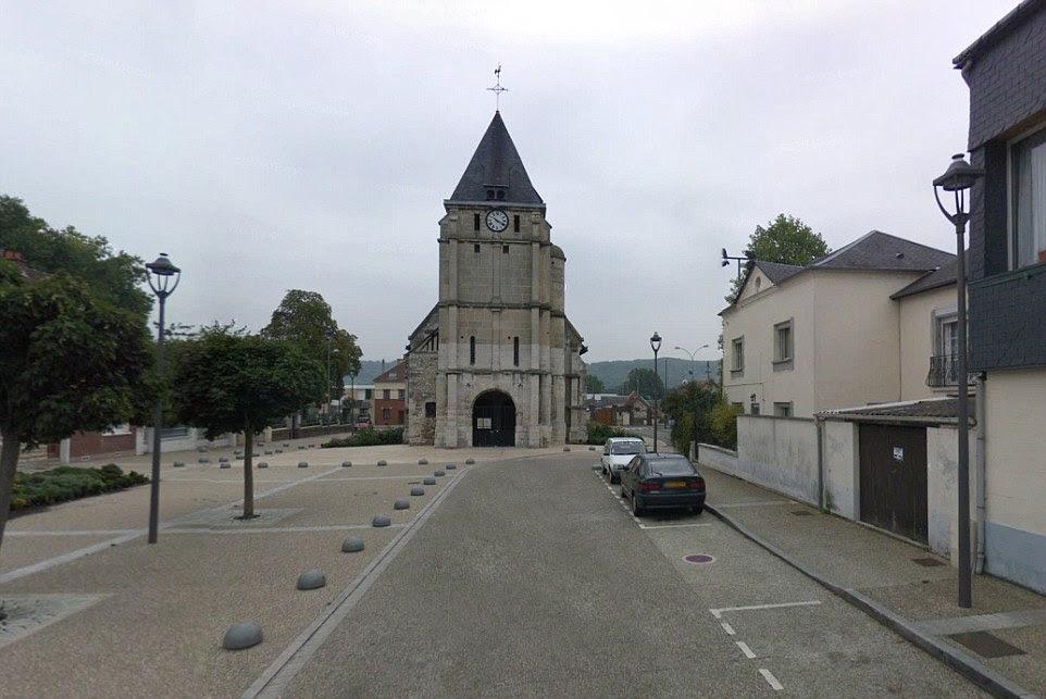 Dois homens armados com facas levou vários reféns na Igreja da Gambetta (foto), no norte da região da Normandia da França na terça-feira, informou uma fonte policial