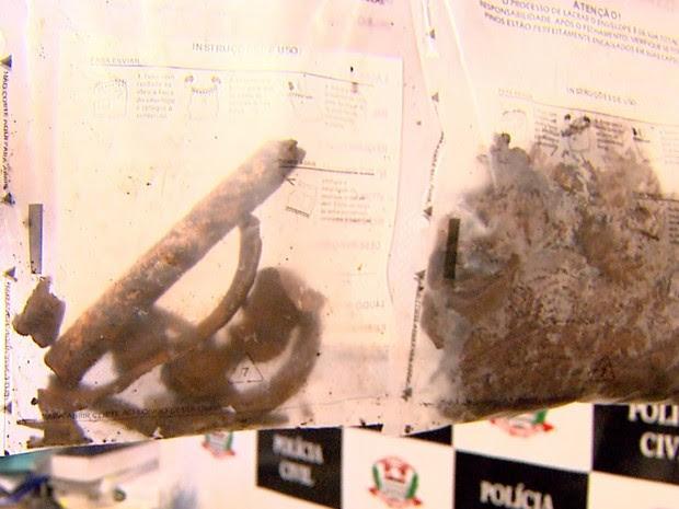 Fragmentos de ossos e dentes supostamente humanos serão analisados  (Foto: Reprodução/EPTV)