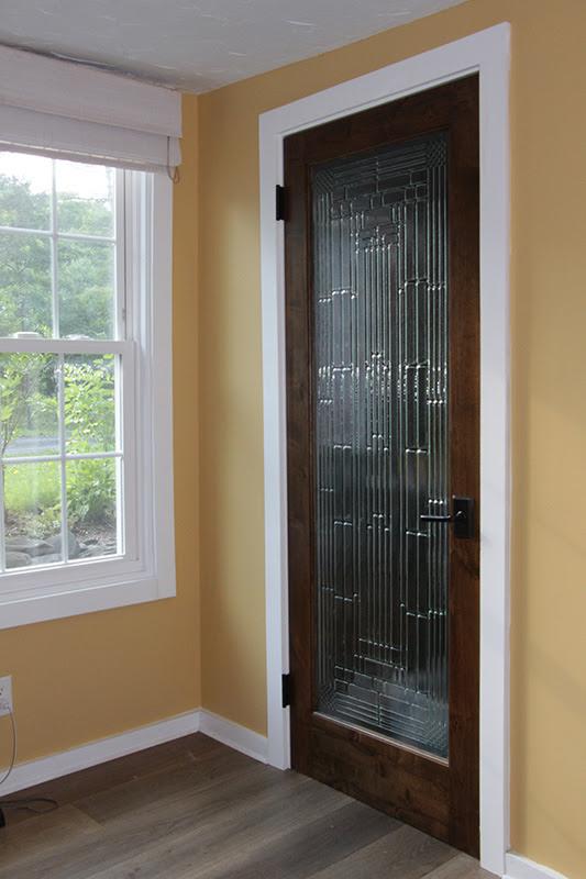 interior door design with glass    554 x 687