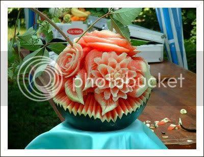 decoração com melancia: enfeite de mesa de melancia