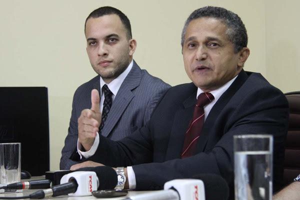 Os delegados da Polícia Federal, Marinaldo Moura e Eduardo Bonfim, deram entrevista coletiva em Mossoró sobre a operação