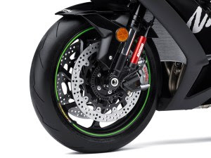 The Ninja ZX-10RR gets forged Marchesini wheels shod with Pirelli Diablo Supercorsa SP tires.
