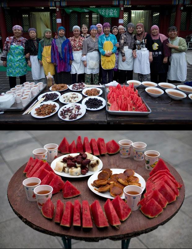 Mulheres chinesas posam para foto na pesquita de Niujie, em Pequim, em frente ao banquete do Iftar (Foto: Andy Wong/AP)
