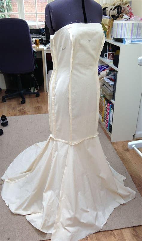 Fishtail wedding dress pattern   the front   wedding