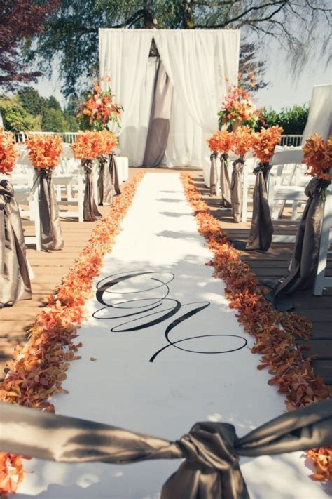 Romantic Canada Wedding with Warm Fall Colors   MODwedding