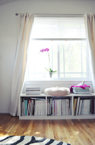 + mor orkide + pencere beyaz ipek perdeler