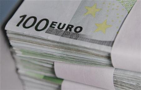 Euro notes are seen at the Belgian Central Bank in Brussels October 26, 2011. REUTERS/Thierry Roge